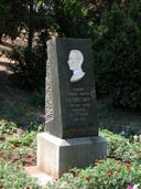 памятный знак Толстому в Севастополе